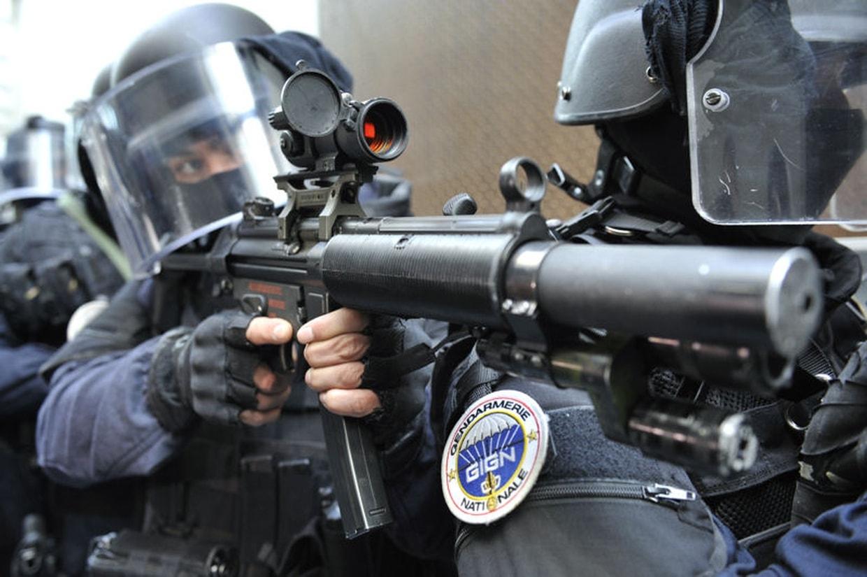 🇫🇷 Les gendarmes saisissent près de 1200 armes en régions parisienne et lyonnaise