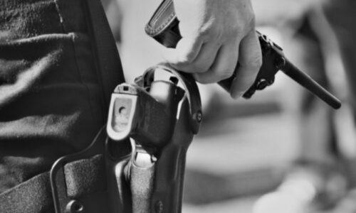 #Nice 🇫🇷 Armes automatiques, «péage» anti-flics: 2 hypermarchés de la drogue démantelés
